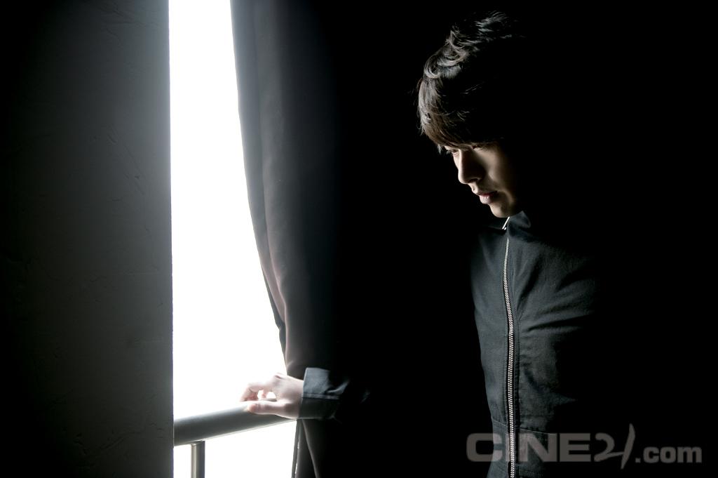 http://image.cine21.com/cine21/person/2011/0211/P0000017_SHJ_1862.jpg