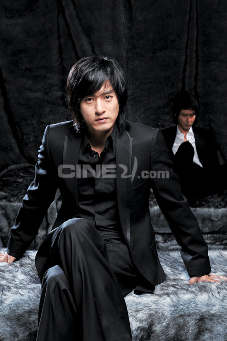 http://image.cine21.com/resize/cine21/person/2008/1218/P0000016_pl1_68306.jpg